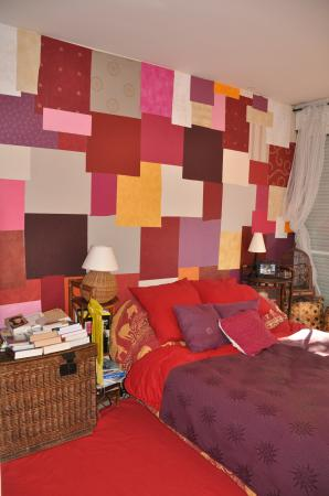 mur en patchwork de papiers peints d co r cup zelbou. Black Bedroom Furniture Sets. Home Design Ideas